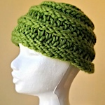 Finger-knitted beanie hat by bean creative